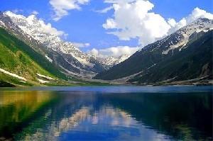 تصاویر بسیار دیدنی از زیباترین دریاچه های دنیا