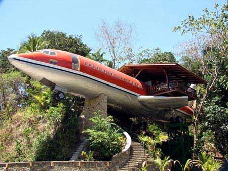هتلی که بین آسمان و زمین است (عکس)
