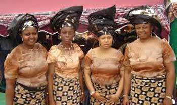 این زنان بخاطر بی شوهری تظاهرات کردند (عکس)