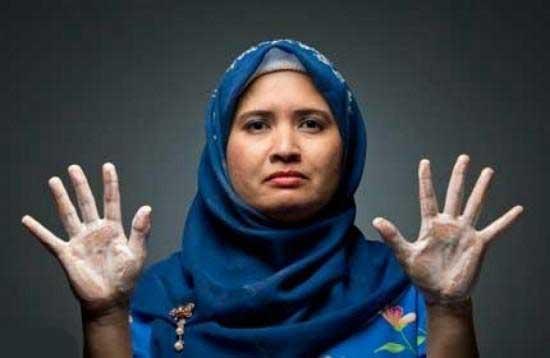 زنی که معشوقه اش حمام است (عکس)