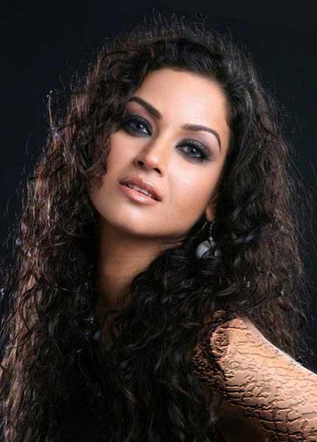 غوغای بازیگر زن  ایرانی در بالیوود (عکس)