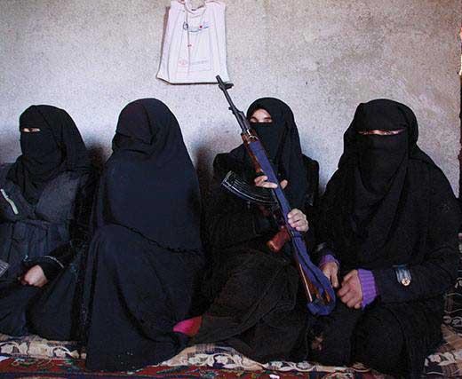 دختری که به جهاد زنا مجبورش می کردند (عکس)