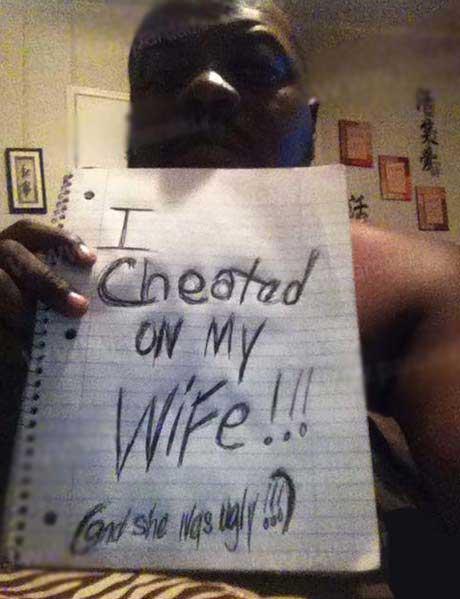 بخشش خیانت همسر به شرط فیسبوک (عکس)
