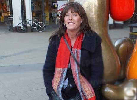 زنی که بخاطر تغییر جنسیت خانه اش را فروخت (عکس)