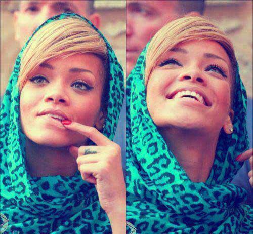 عکس متفاوت و بسیار جذاب از ریحانای با حجاب