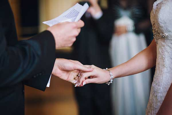 داماد فراموش کاری که عروس را جا گذاشت (عکس)
