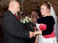 عکس های باور نکردنی تراشیدن موی عروس در مراسم عروسیش