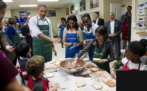 کار جالب و دیدنی اوباما (عکس)