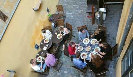 رستورانی با ایده عجیب و جالب (عکس)