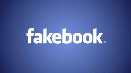 بوسه دختر پسری در فیسبوک خبرساز شد (عکس)