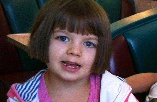 دختر بچه بیچاره ای که روزانه 120 بار تشنج می کند