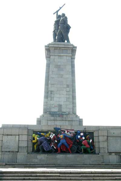 تصاویر دیدنی از بنای تاریخی ارتش سرخ