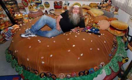 مردی که همه چیز را همبرگر میبیند (عکس)