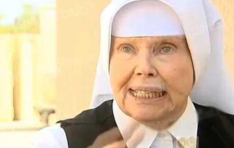 زنی که با تصمیم عجیب خود فرشته زندان شد