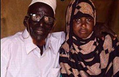 ازدواج عجیب پیرمرد 112 با دختر جوان)عکس(