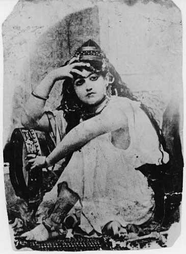 عکس لو رفته از رقاص اختصاصی شاه ایران