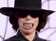 زشت ترین و چندش آور ترین خواننده در دنیا (عکس)