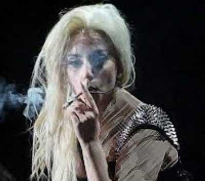 افشای معتاد بودن خواننده زن معروف (عکس)