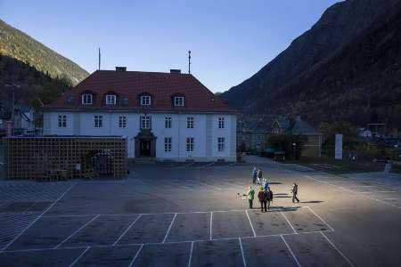 نورخورشید عجیب در نروژ (عکس)