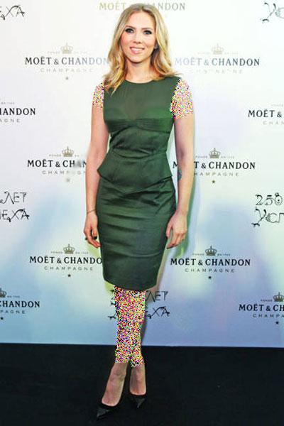 درباره لباس های اسکارلت جوهانسون در سال های مختلف