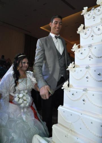 عروسی قد بلندترین مرد دنیا (+عکس)