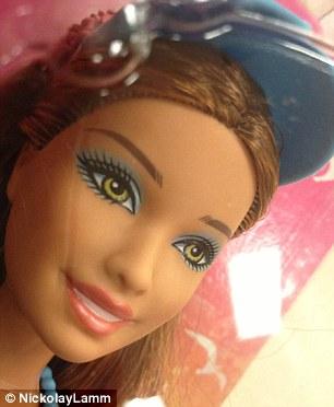 عکس های دیدنی از قبل و بعد از آرایش عروسک باربی