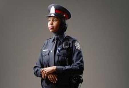 طراحی جالب لباس برای زنان مسلمان پلیس!! (+عکس)