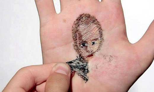 تصاویری از هنر عجیب دردناک سوزن دوزی در کف دست