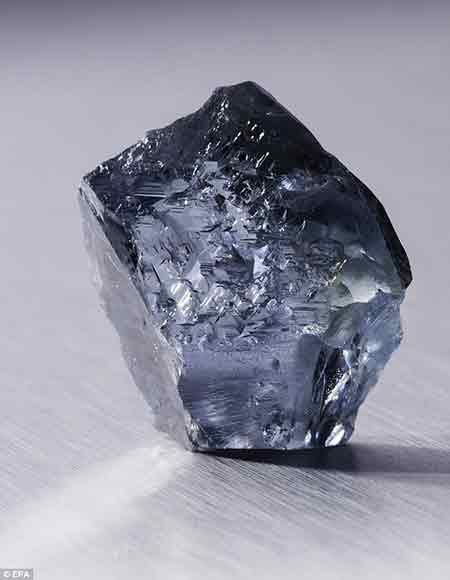 این الماس کمیاب 50 میلیارد تومان است (+عکس)