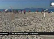 اعتراض توالتی در ساحل دریا (عکس)