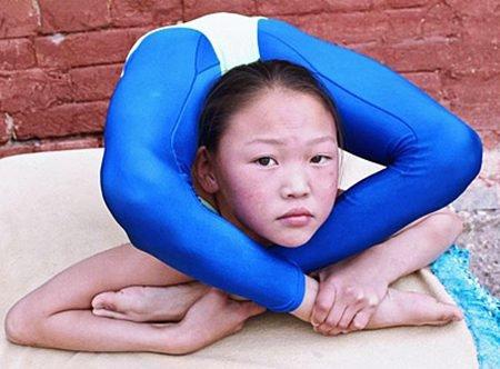 عکس هایی باور نکردنی از دختری با انعطاف بدنی بالا..!