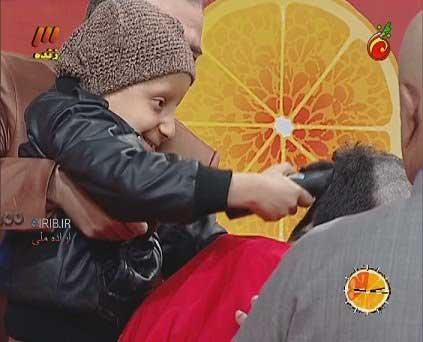 اقدام انسان دوستانه علی ضیا در برنامه زنده کچل کرد