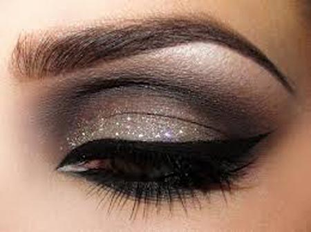 model-smoky-eye-shadow