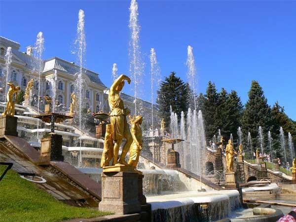 0.653491001391780906 parsnaz ir مکان های گردشگری شهر سن پترزبورگ