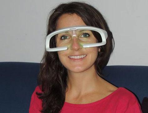 این عینک مشکل خانم خوناشام را حل کرد (+عکس)