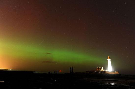 پدیده نادر طبیعی از خلق نور در آسمان بریتانیا