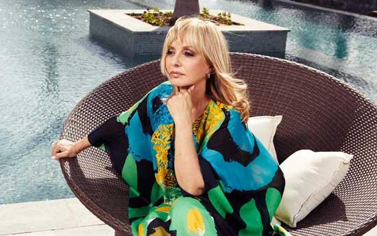 حمایت گوگوش خواننده ایرانی از همجنسگرایی (عکس)