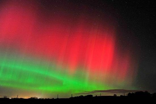 پدیده نادر طبیعی در آسمان این شهر از خلق نور (عکس)