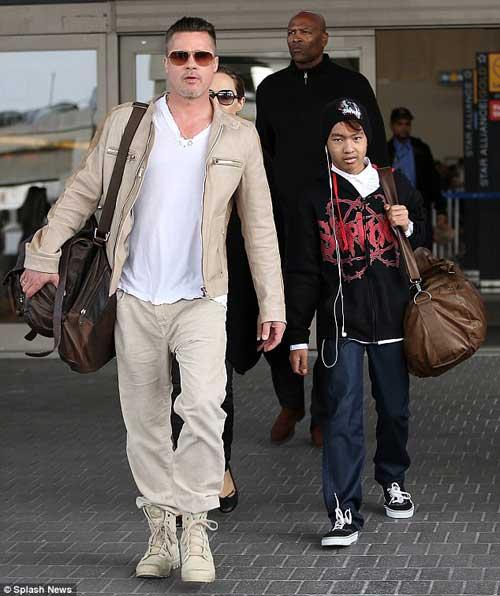 آنجلینا جولی و براد پیت به آمریکا بازگشتند +عکس