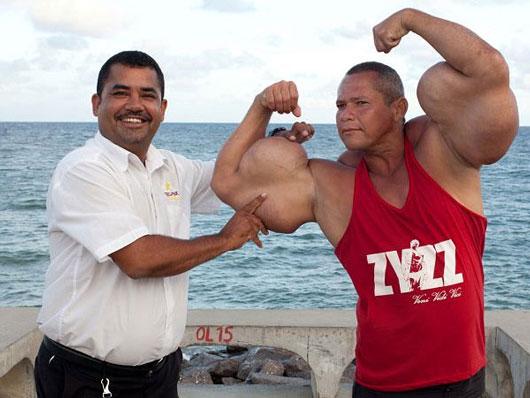 مردی با عضلات عجیب و باورنکردنی در برزیل +عکس