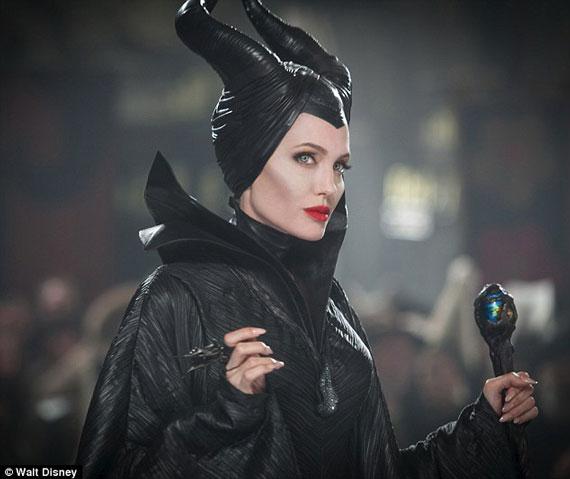 وقتی آنجلینا جولی بازیگر مشهور شیطانی می شود (عکس)