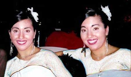 اقدام عجیب این خواهران دوقلو با یک نامزد مشترک +عکس