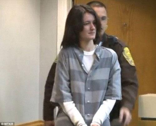 سوء استفاده و عکس گرفتن زن برهنه با پسر 15 ساله