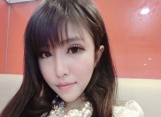 دختر زیبای چینی به خاطره تنهایی خودکشی کرد (عکس)