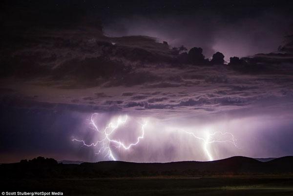 عکسهای شگفت انگیز از رعد و برق های بسیار زیبا در امریکا