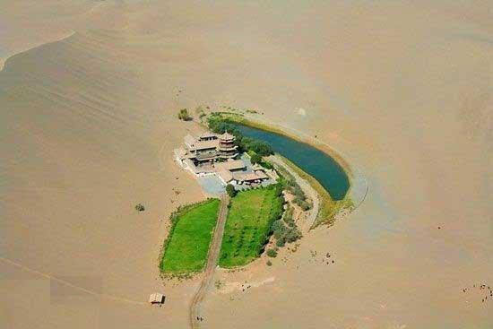 عکس هایی از زیباترین دریاچه جهان در قلب کویر