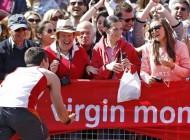 مراسم خواستگاری جالب در مسابقه دو ماراتن لندن (عکس)
