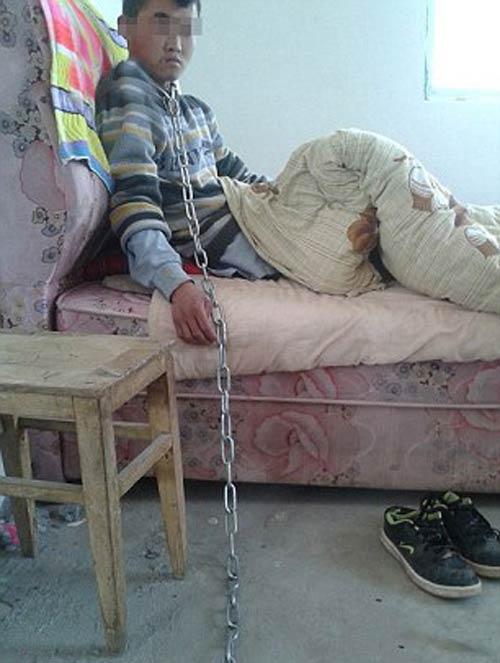 شکنجه این بچه چینی توسط مادر سنگدلش +عکس