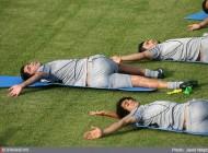 خواب شیرین نکونام در تمرین تیم ملی..عکس