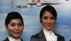 یک شرکت هواپیمائی مهمانداران دو جنسه استخدام می کند